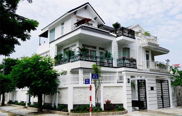 biệt thự màu sơn nhà trắng